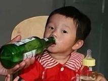 Trẻ uống bia, dù chỉ là 1 ngụm nhỏ, sức khỏe cũng có thể bị tàn phá khủng khiếp