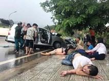 Hai xe du lịch đối đầu trên QL20, 9 người bị thương