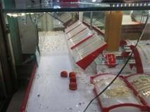 Nhóm thanh niên đập tủ kính cướp vàng tại Đà Nẵng