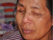 Chuyện những phụ nữ khiếm thị khóc khản tiếng xin người quen một mụn con