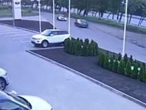 Gây tai nạn khi lái thử Porsche 911