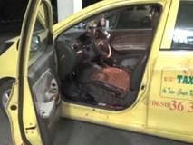 Tài xế taxi bị cướp đâm, cố lái xe về bệnh viện trước khi hôn mê sâu