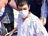 Clip: T.O.P rời khỏi bệnh viện trong khung cảnh hỗn loạn: 'Tôi xin lỗi'