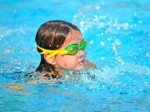 """Trẻ có thể """"chết đuối cạn"""" kể cả khi đã ra khỏi bể bơi cả ngày, tuyệt đối không được chủ quan"""