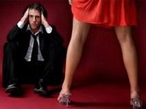 Vợ ơi, mặc đẹp anh không cấm, nhưng hở hang như em... anh sợ lắm!
