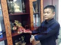 Giám đốc chi nhánh ngân hàng ép người tình của vợ chặt đốt ngón tay