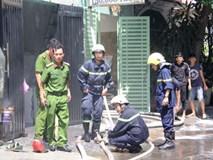 Cháy tòa nhà 5 tầng ở Sài Gòn, nhiều người tháo chạy