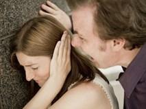 """Chỉ vì nhắn tin cho chồng: """"Mình ra nhà nghỉ anh nhé"""" mà tôi lĩnh hậu quả đắng ngắt"""