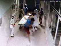 Nguyên nhân bác sĩ bị hành hung, bắt quỳ xin lỗi tại bệnh viện