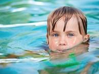 Quy trình 8 bước giúp bố mẹ dạy con biết bơi dễ dàng