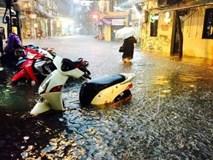 Mưa to, nhiều tuyến đường Hà Nội ngập sâu