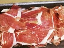 Thịt lợn đen ngon nhất thế giới 3,5 triệu/kg vẫn hút khách