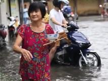 Vừa ăn chiều vừa chạy ngập ở Sài Gòn