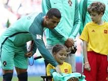 Hành động đẹp của Ronaldo trong trận thắng chủ nhà Nga