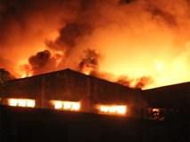Cháy nổ lớn tại nhà kho trong cảng Sài Gòn
