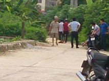 Hà Nội: Nam thanh niên chết bất thường bên vệ đường