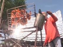 Độc đáo nướng gà bằng 1.000 tấm gương