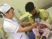 """Bé gái 3 tuổi bị đau vùng kín, đưa đến viện cả nhà """"ngã ngửa"""" khi biết nguyên nhân"""