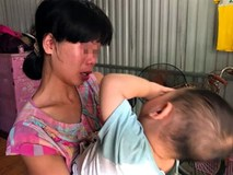 """Bà mẹ từng bắt con 3 tuổi trần truồng đứng dưới mưa: """"Tôi muốn cho con để gia đình khác nuôi cho chúng đỡ khổ"""""""