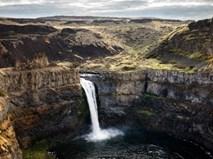 Khám phá thác nước lớn nhất từng tồn tại trên Trái đất