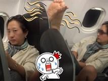 """Nữ du khách Hàn Quốc tìm mọi cách """"đuổi"""" người ngồi đằng trước trên máy bay để được thoải mái gác chân lên ghế"""