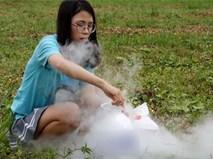 """Kênh Youtube nổi tiếng Thơ Nguyễn lại bị dân mạng chỉ trích vì làm clip """"nghịch dại"""" cho trẻ em"""