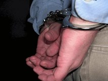 Bắt giữ nghi phạm hiếp dâm 2 bé gái