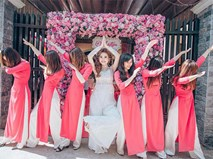 """Cô dâu xinh đẹp cùng đội bạn thân bê tráp lầy lội và lộng lẫy khiến dân mạng """"phát cuồng"""""""