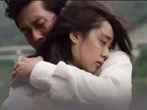 Quyết định ly hôn, hai vợ chồng lấy sổ tiết kiệm ra rồi ôm nhau khóc nức nở