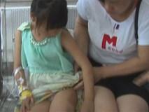Bé gái 7 tuổi nhập viện vì bị cô giáo đánh bằng ống nước