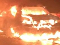 Đang lưu thông trên cao tốc, ô tô bốc cháy dữ dội, tài xế bỏ xe chạy
