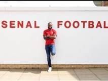 Lacazette trở thành cầu thủ đắt giá nhất lịch sử Arsenal