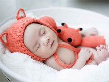 Ngập tràn yêu thương với khoảnh khắc siêu đáng yêu của các bé mới sinh