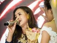 Nhan sắc của bà mẹ U50 trẻ xinh như hotgirl hát 'Mẹ yêu con' tặng con gái trong ngày vu quy