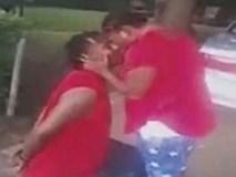 Cầu hôn bạn gái ngay sau khi bị cảnh sát còng tay