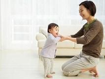 Trẻ biết đi sớm mẹ cứ ngỡ là phát triển tốt ai ngờ nguy hại sức khỏe vô cùng