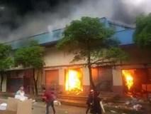 Cháy chợ cửa khẩu Tân Thanh, nhiều kiốt bị thiêu rụi