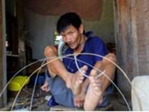 Đôi chân kỳ diệu của người đàn ông tật nguyền