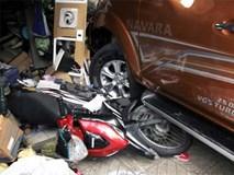 Nhân chứng kể phút ôtô 'điên' tông 8 xe rồi lao vào cửa hàng