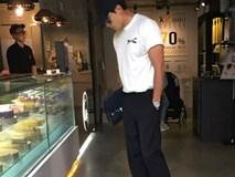 Bi Rain bị bắt gặp đứng chọn bánh ngọt cho vợ yêu Kim Tae Hee