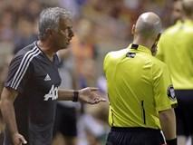 Cãi trọng tài, HLV Mourinho khiến học trò bị đuổi