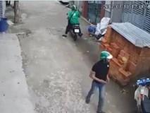 """Đối tượng mặc áo Grabbike chở đồng phạm đi """"cuỗm"""" xe máy"""