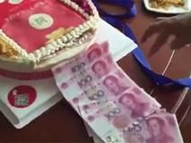 Sinh nhật mà được nhận chiếc bánh gato biết nhả ra tiền như này mới là nhất