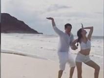 Clip Đông Nhi - Ông Cao Thắng uốn éo 'siêu lầy lội' trên biển khiến fan thích thú