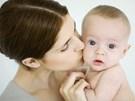 Vì sao nụ hôn của người lớn có thể khiến trẻ sơ sinh tử vong?