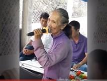 Bà lão hát ca khúc Duyên phận khiến ai nghe cũng phải thán phục