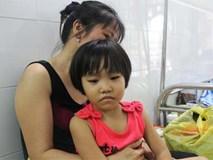 """Mong ước của bé gái 5 tuổi mắc bệnh ung thư xương: """"Con nhớ mẹ lắm, mẹ ở đâu mau về với con"""""""