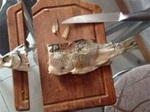 """""""Khua dao múa đũa"""", dâu """"đảm"""" vào bếp khiến ai nấy thất kinh vì """"chém cá vỡ thớt"""", """"nấu canh thủng nồi"""""""