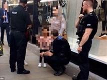 Anh: Thêm trường hợp bắt cóc trẻ em táo tợn trên đường khiến bà mẹ suýt mất con