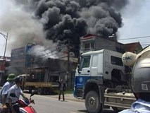Hà Nội: Cháy xưởng sản xuất bánh kẹo nhiều người thương vong